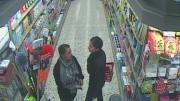 Überwachungsfoto mit zwei Täterinnen (Foto: Polizei EN)