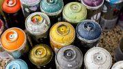 Verbrauchte Farbdosen gehören in den Umweltbrummi (Foto: RuhrkanalNEWS)