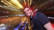 DJ Stephan (Stephan Hellweg) legt auf (Foto: WDR2)