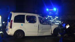 Unfall auf der Marxstraße (Foto: Jens Herkströter FW Hattingen)
