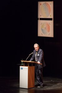 IHK-Präsident Wilfried Neuhaus-Galladé bei seiner Rede (Foto: PicturePeople)
