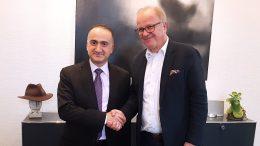 Der türkische Generalkonsul aus Essen, Sener Cebeci und BM Dirk Glaser (Foto: Stadt Hattingen)