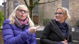 Brigitte Serrano und Michaela Harbord engagieren sich für ein Taubenhaus (Foto: RuhrkanalNEWS)
