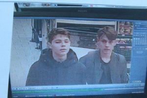 Die Polizei sucht diese Personen. Sie sollen gestohlen und einen Ladendetektiv angegriffen haben. (Foto: Polizei EN)